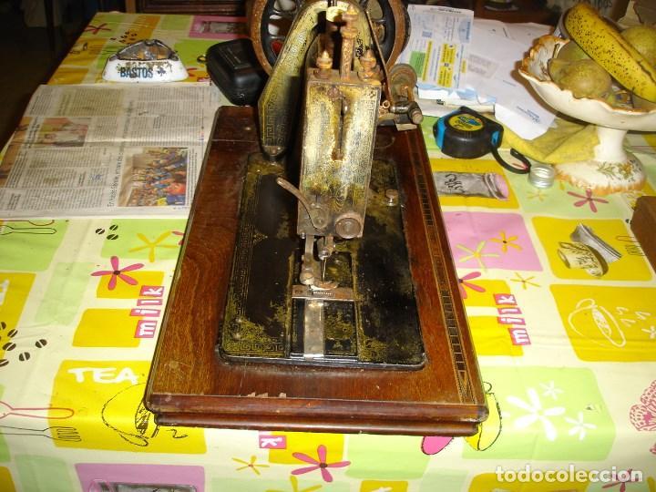 Antigüedades: bonita maquina de coser anos 1900 - Foto 7 - 224446385