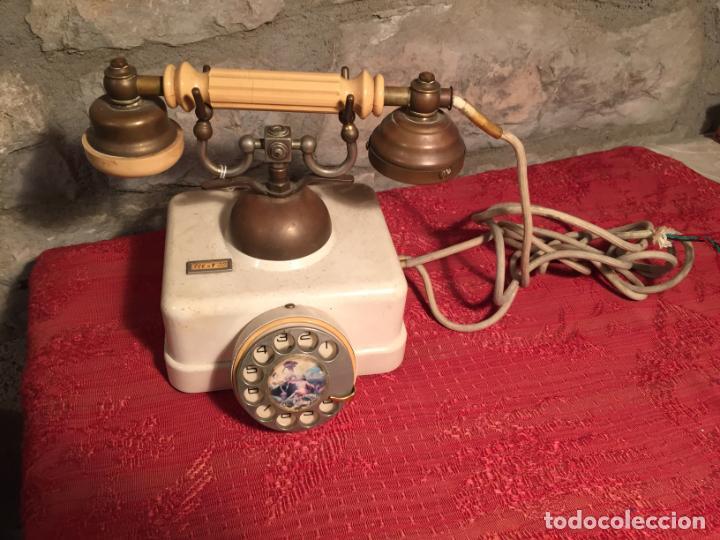 ANTIGUO TELEFONO BLANCO DE LA MARCA ELASA DE LOS AÑOS 60-70 (Antigüedades - Técnicas - Teléfonos Antiguos)