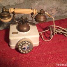 Teléfonos: ANTIGUO TELEFONO BLANCO DE LA MARCA ELASA DE LOS AÑOS 60-70. Lote 224511402