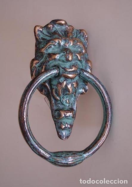 Antigüedades: Aldaba de laton con cabeza grotesca, - Foto 2 - 224518312