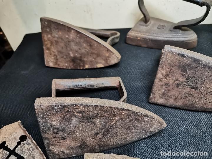 Antigüedades: LOTE DE ANTIGUAS PLANCHAS DE HIERRO - Foto 11 - 224646515
