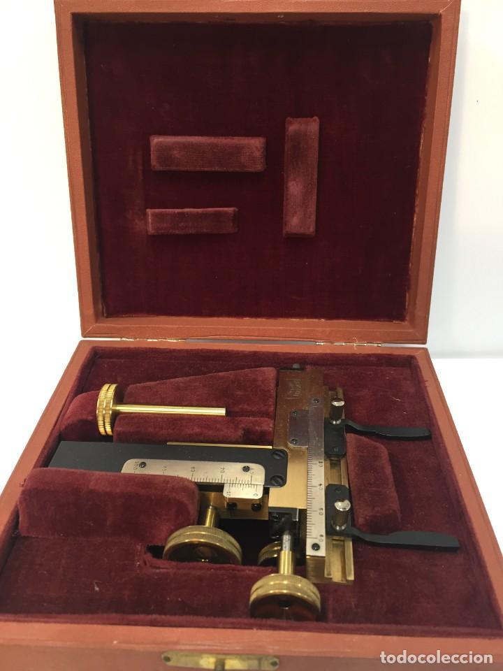 ANTIGUA MESA CRUZADA KREUZTISCH HENSOLDT WETZLAR CON CERTIFICADO 1933. ALEMÁN (Antigüedades - Técnicas - Instrumentos Ópticos - Microscopios Antiguos)
