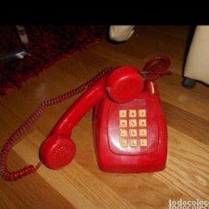Teléfonos: ANTIGUO TELÉFONO ROJO DE TECLAS MODELO HERALDO CITESA MÁLAGA CON TOMA ACTUAL FUNCIONANDO AÑOS 60 70. Lote 224922006