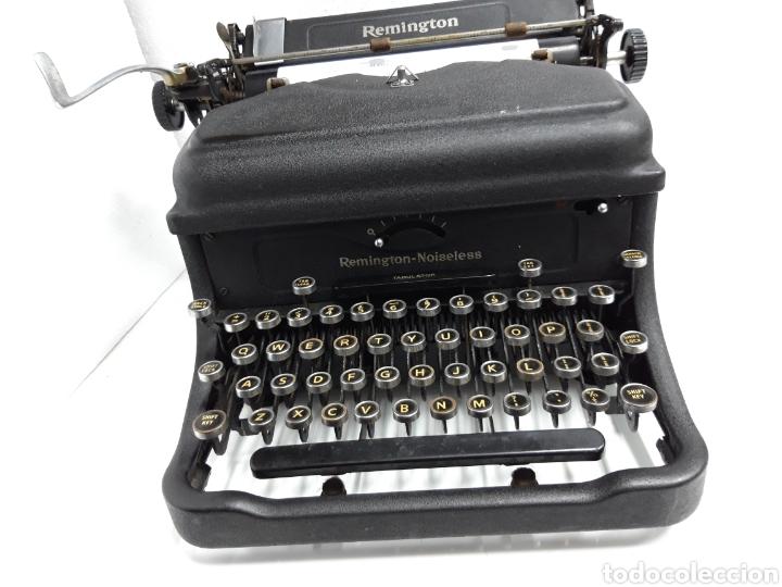 ANTIGUA MAQUINA DE ESCRIBIR TYPEWRITER REMINGTON - NOISELESS (Antigüedades - Técnicas - Máquinas de Escribir Antiguas - Remington)