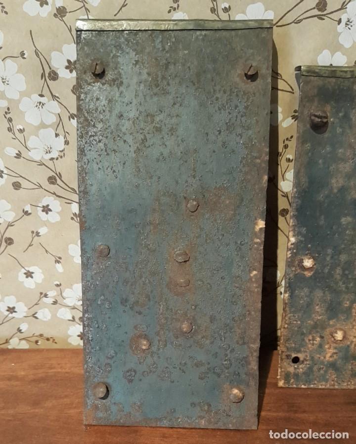 Antigüedades: LOTE DE 3 ANTIGUAS CERRADURAS DE CÓMODA FRANCESA, HIERRO FORJADO. DEL SIGLO XVIII-XIX - Foto 6 - 225155940