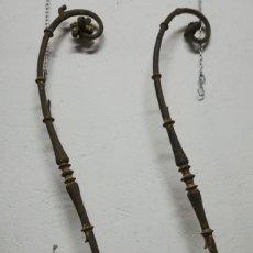 Antigüedades: PAREJA DE HIERRO FORJADO PARA BALCÓN S. XVII. Lote 225347343