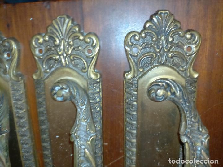 Antigüedades: 4 gigantes tiradores metal 28,5x5,9 cm para cajones o puertas correderas armarios comodas portones - Foto 11 - 225359915