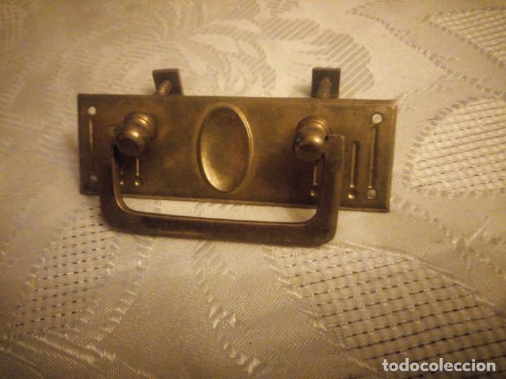 Antigüedades: Lote de 1 tirador de latón y bronce para muebles antiguos. - Foto 3 - 277564868
