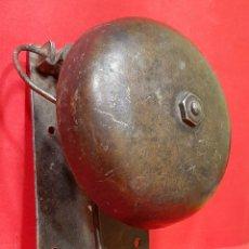 Antigüedades: ANTIGUA CAMPANA TIMBRE DE HIERRO FORJADO.. Lote 225756427