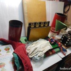 Antigüedades: MAGIA ESPECTACULAR LOTE INCLUYE CARPETA ORIGINAL DE MAGO AÑOS 40-50. Lote 225777875