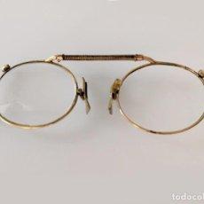 Antigüedades: ANTIGUAS GAFAS TIPO QUEVEDO CON MONTURA DE ORO S.XIX. Lote 226018975