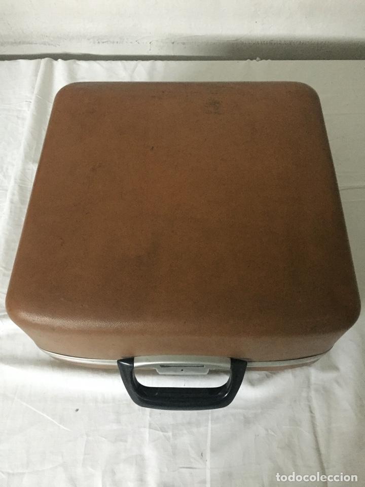 Antigüedades: Máquina de escribir Smith Corona Electric - Foto 3 - 226052425