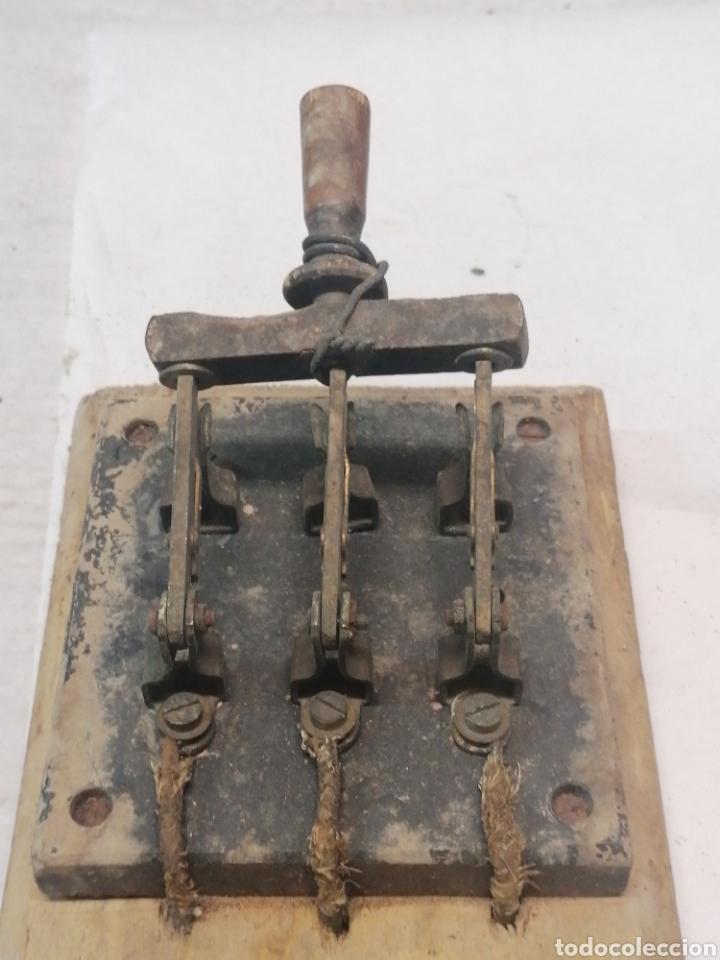 Antigüedades: Interruptor eléctrico - Foto 2 - 226110356