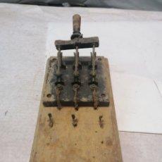 Antigüedades: INTERRUPTOR ELÉCTRICO. Lote 226110356