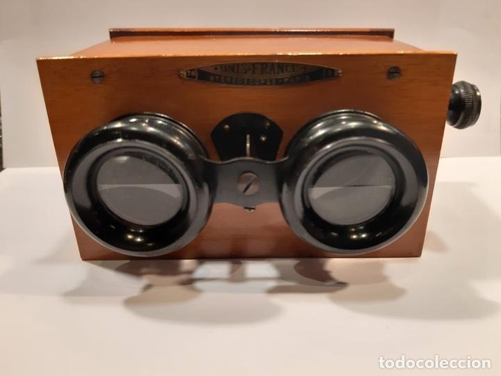 VISOR ESTEREOSCÓPICO UNIS FRANCE EN MADERA Y BAQUELITA -ORIGINAL DE ÉPOCA- MED.: 13X10X8 CMS. (T1) (Antigüedades - Técnicas - Otros Instrumentos Ópticos Antiguos)