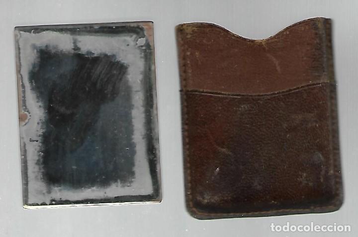 Antigüedades: ANTIGUO ESPEJITO DE BOLSO CON SU FUNDA DE PIEL, PUBLICIDAD HISPANO OLIVETTI. - Foto 2 - 226358500