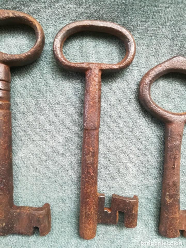 Antigüedades: LOTE DE 7 LLAVES ANTIGUAS DE FORJA - Foto 8 - 226379475