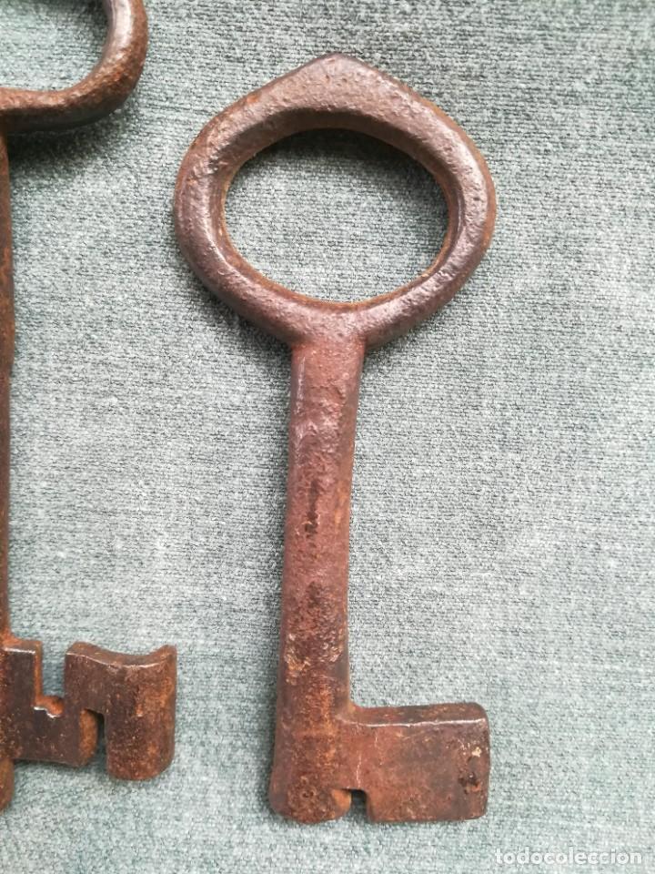 Antigüedades: LOTE DE 7 LLAVES ANTIGUAS DE FORJA - Foto 9 - 226379475