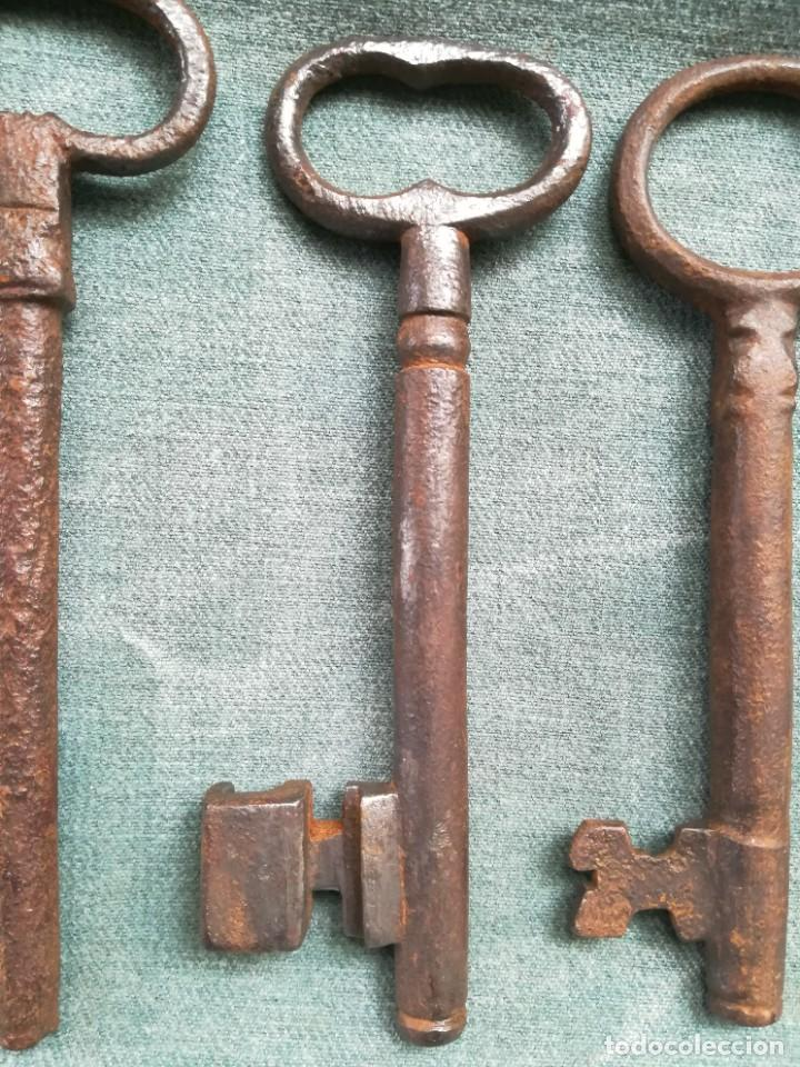 Antigüedades: LOTE DE 7 LLAVES ANTIGUAS DE FORJA - Foto 14 - 226379475