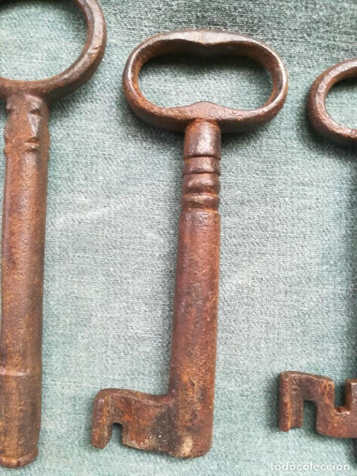 Antigüedades: LOTE DE 7 LLAVES ANTIGUAS DE FORJA - Foto 16 - 226379475