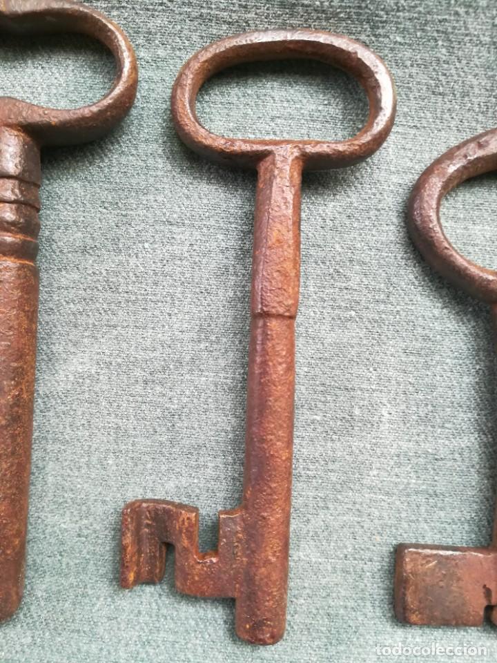 Antigüedades: LOTE DE 7 LLAVES ANTIGUAS DE FORJA - Foto 17 - 226379475