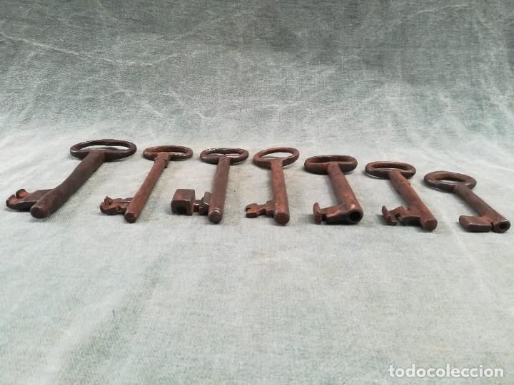 Antigüedades: LOTE DE 7 LLAVES ANTIGUAS DE FORJA - Foto 19 - 226379475