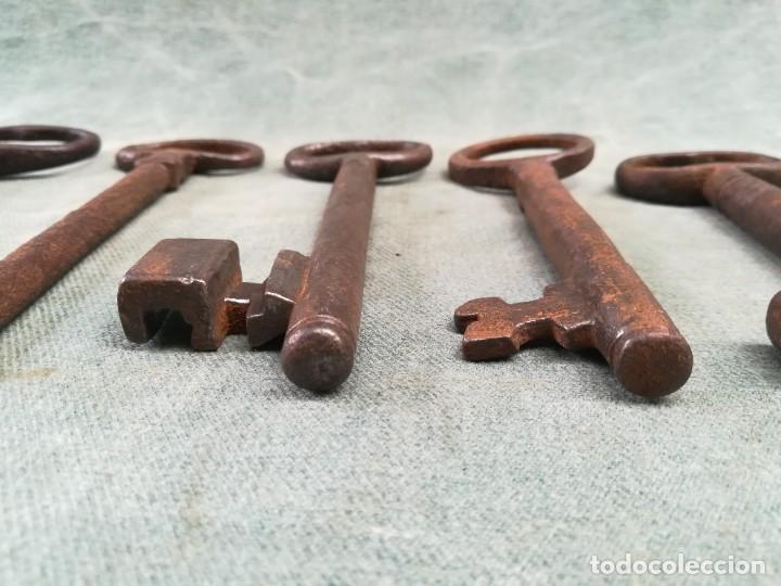 Antigüedades: LOTE DE 7 LLAVES ANTIGUAS DE FORJA - Foto 21 - 226379475