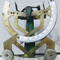 Antigüedades: ANTIGUA BALANZA DE PRECISIÓN MYC. Lote 226398790