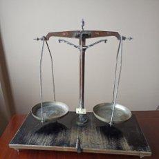 Antiquités: BALANZA DE PRECISION DE LABORATORIO O FARMACIA. Lote 226681385