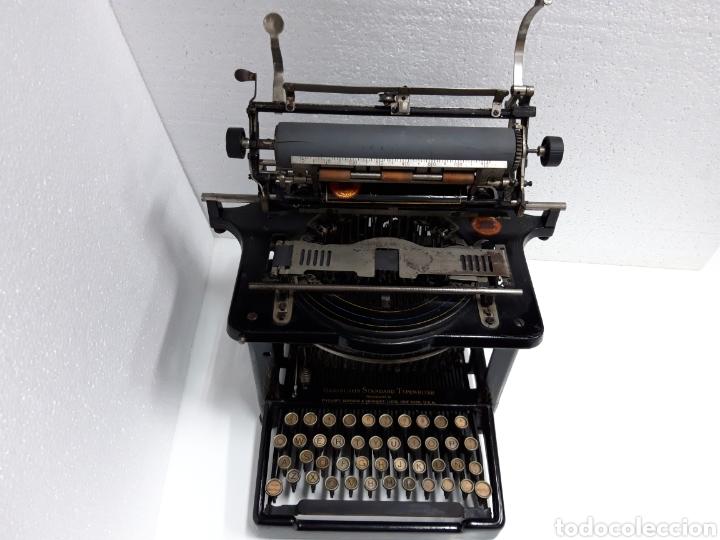 Antigüedades: ANTIGUA MAQUINA DE ESCRIBIR, TYPEWRITER REMINGTON Escritura oculta - Foto 3 - 226804586