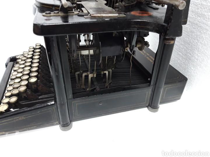 Antigüedades: ANTIGUA MAQUINA DE ESCRIBIR, TYPEWRITER REMINGTON Escritura oculta - Foto 4 - 226804586