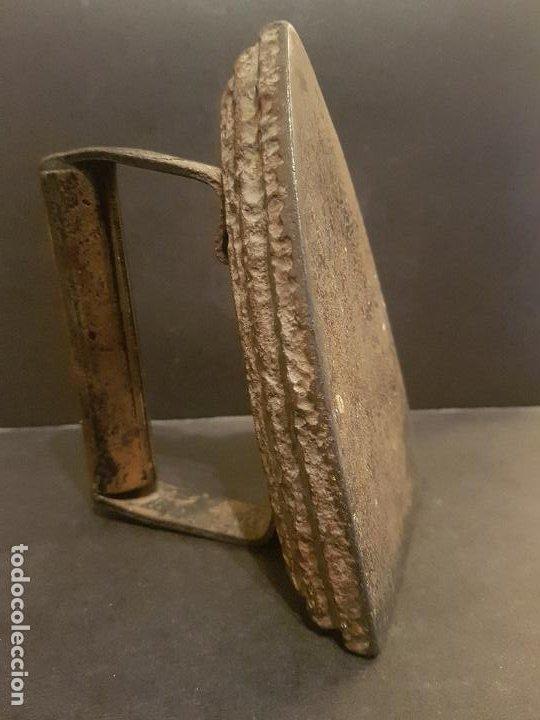 ANTIGUA PLANCHA DE HIERRO 15 CMTS ALTO (Antigüedades - Técnicas - Planchas Antiguas - Hierro)
