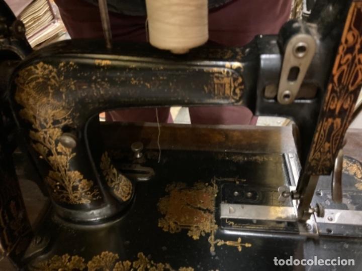 Antigüedades: maquina de coser portatil marca Frister&Rossmann alemana super bien conservada manual - Foto 6 - 27584318