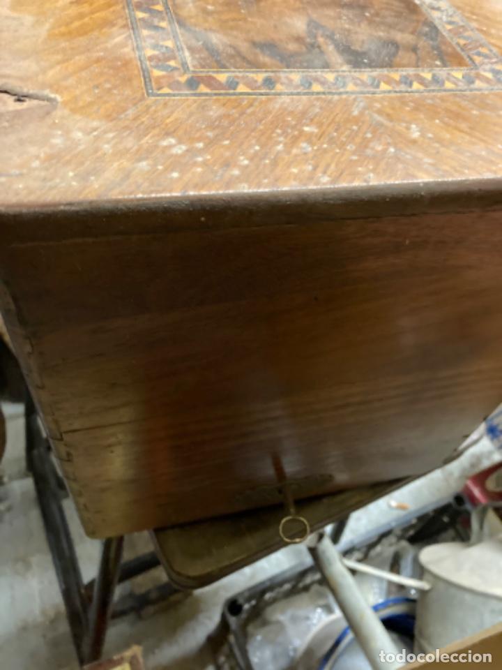 Antigüedades: maquina de coser portatil marca Frister&Rossmann alemana super bien conservada manual - Foto 10 - 27584318