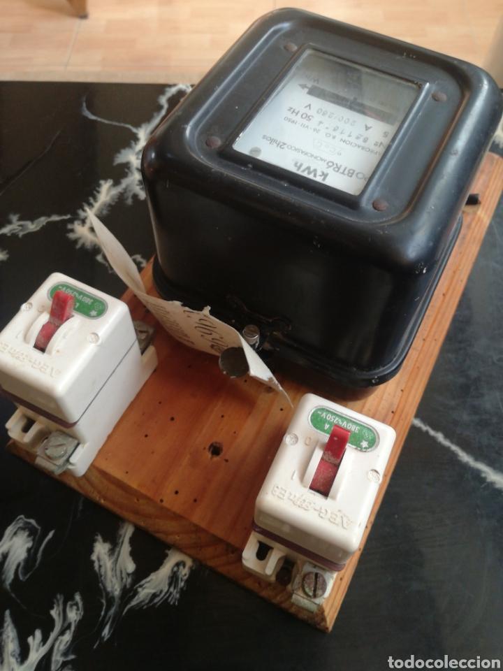 Antigüedades: Contador luz muy antiguo. Monofásico. CDC. Con diferenciales - Foto 5 - 227560772