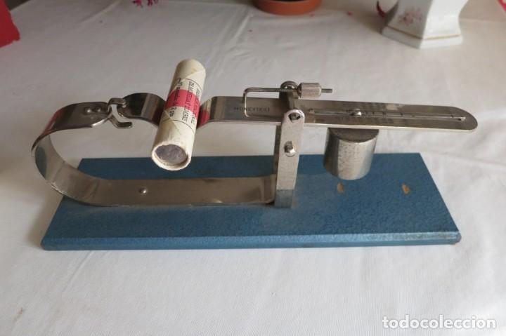 Antigüedades: balanza para el control del peso de pesetas - Foto 2 - 227733525
