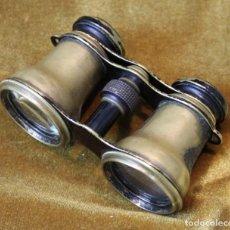 Antigüedades: ANTIGUOS BINOCULARES O PRISMÁTICOS DE LATÓN, EXTENDIDOS 90 MM. Lote 227862250
