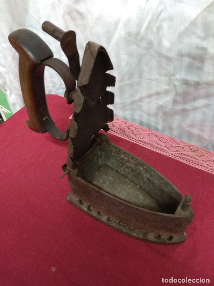 Antigüedades: Antigua plancha de carbón. - Foto 6 - 227925925