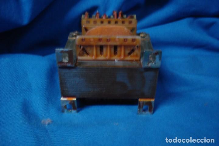 Antigüedades: TRANSFORMADOR DE VOLTAJE 220 V. - 9/ 12 V. - Foto 3 - 228056415