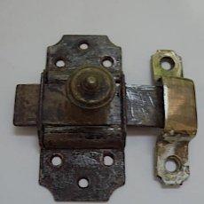 Antigüedades: ANTIGUO CERROJITO. Lote 228149025
