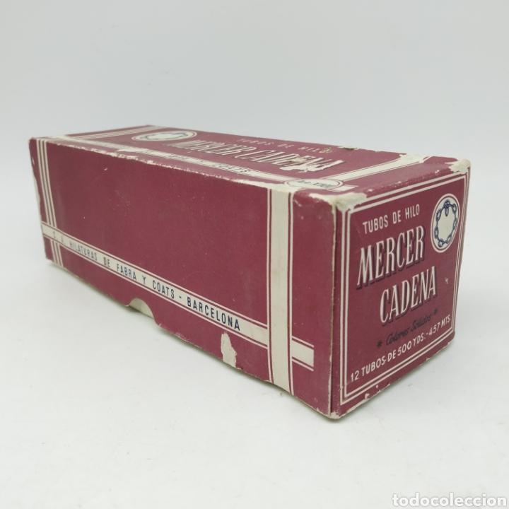 Antigüedades: Antigua caja completa con 12 Bobinas de Hilo Fabra y Coats Mercer Cadena 3 cabos azul marino - Foto 5 - 228335015