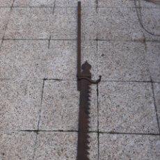 Antigüedades: ANTIGUO HIERRO DE FORJA, YAR PARA LUMBRES BAJAS... Lote 228437190