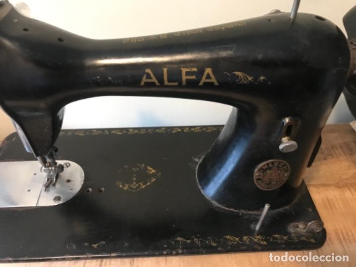 Antigüedades: Máquina de coser Alfa - Foto 5 - 242951855