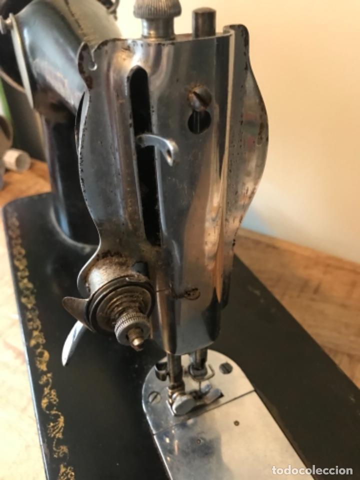 Antigüedades: Máquina de coser Alfa - Foto 9 - 242951855