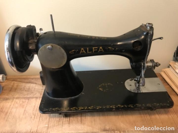 Antigüedades: Máquina de coser Alfa - Foto 2 - 242951855