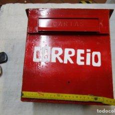 Antigüedades: ANTIGUO BUZON HIERRO, REPINTADO INCLUSO ' CORRIO ' DE EMPOTRAR EN MURO PARED EXTERIOR+ INFO Y FOTOS. Lote 228962230