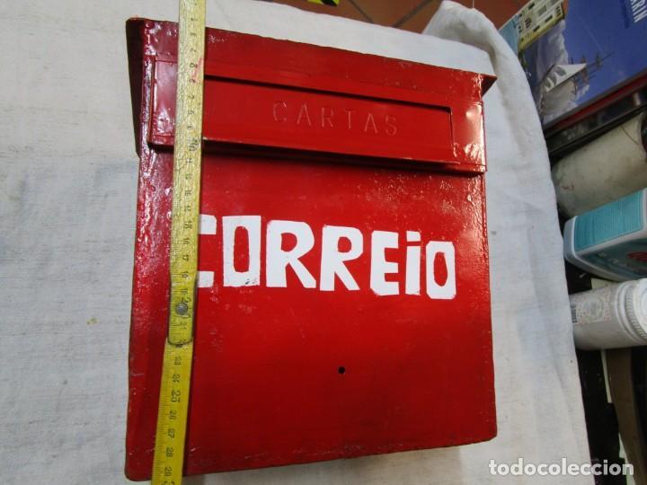 Antigüedades: ANTIGUO BUZON HIERRO, REPINTADO INCLUSO CORRIO DE EMPOTRAR EN MURO PARED EXTERIOR+ INFO Y FOTOS - Foto 2 - 228962230