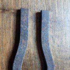 Antiquités: ANTIGUO IMAN PARA RECOGER AGUJAS DE COSER. Lote 229035751