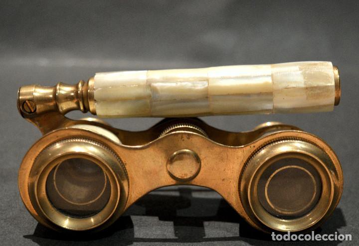 Antigüedades: ANTIGUOS PRISMATICOS BINOCULARES EN NACAR OPERA O TEATRO - Foto 5 - 229599925