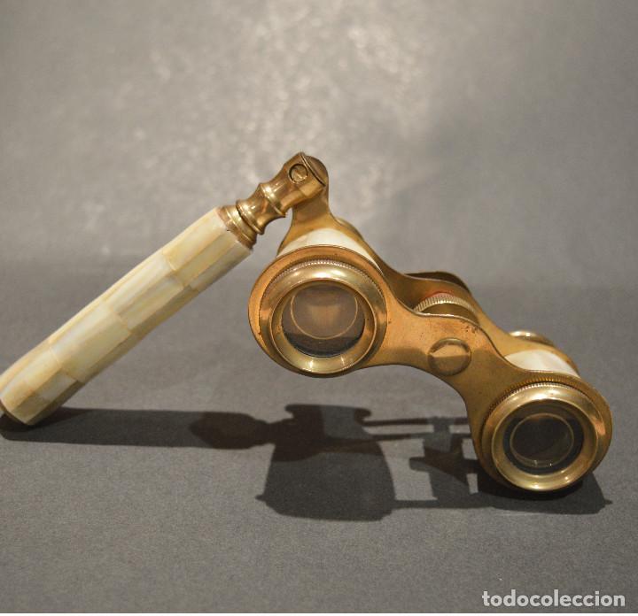Antigüedades: ANTIGUOS PRISMATICOS BINOCULARES EN NACAR OPERA O TEATRO - Foto 9 - 229599925